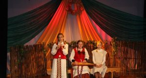 "Vaikų folkloro festivalio ""Skrisk, skrisk, bitute"" akimirka. A. Mackuvienės nuotr."