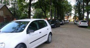 VRM autoūkio logotipais paženklintų automobilių kolona nustebino rokiškėnus. A.Minkevičienės nuotr.