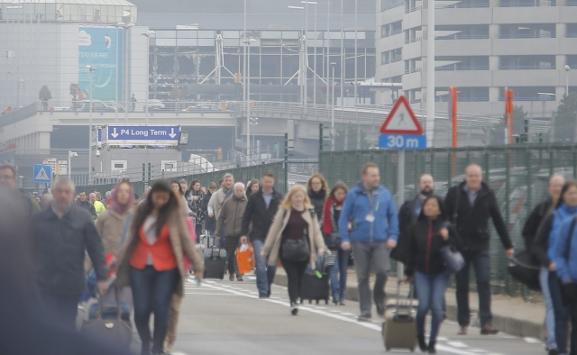 Sprogimai Briuselio oro uoste ir metro stotyje