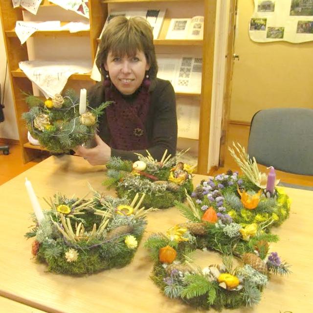 Aleksandravėlės bibliotekininkė Alma Mekšėnienė surinko labai daug kraštotyrinės medžiagos apie bažnyčią