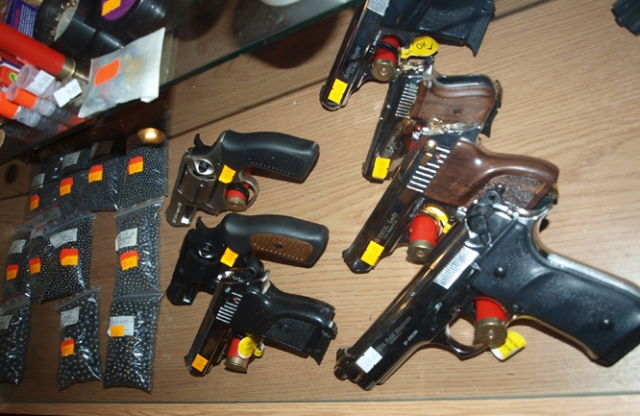 Dujiniai pistoletai