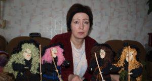 Tautodailininkės Ledinos Valikonienės mėgstamiausias rankdarbių personažas - ragana.